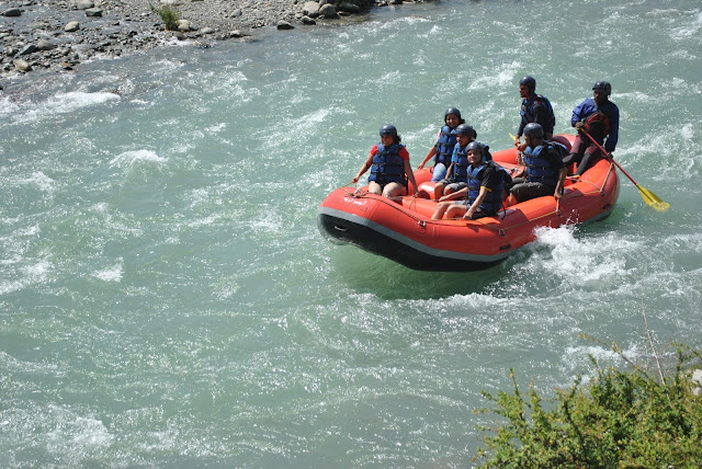 TD4-Ride-the-Rapid-in-Lidder-River