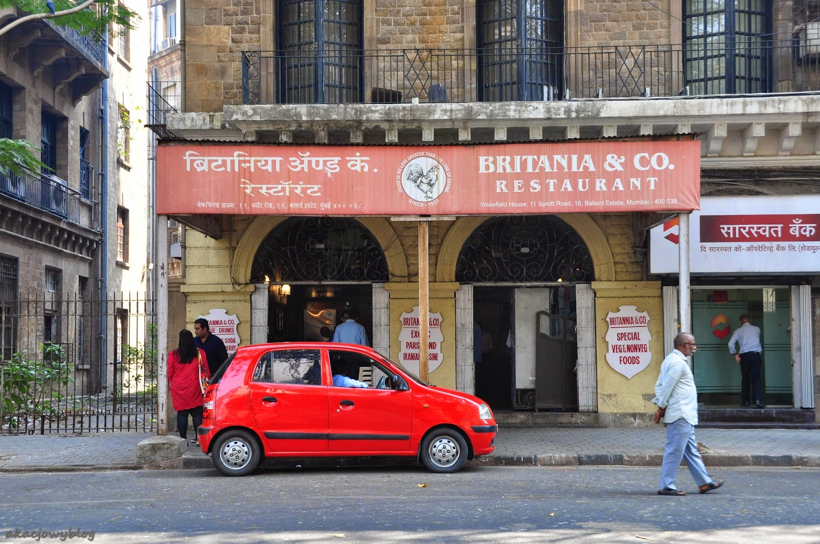 "Good save the Queen!  Restauracja "" Britannia & Co.""  w Mumbaiu."