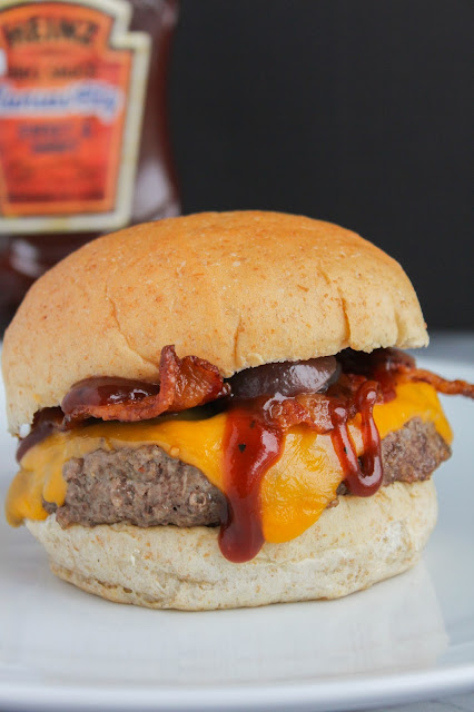 BBQ Bacon Cheeseburgers   The Chef Next Door #MadeWithTheMasters #HeinzBBQ