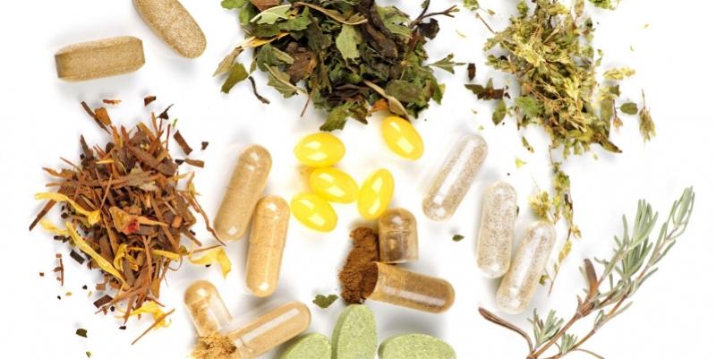 Perbandingan Obat Herbal Dengan Obat Kimia: OBAT TRADISIONAL VS OBAT KIMIA