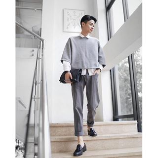 essay about fashion is important In crude terms fashion is a style of living there are aristocratic fashions, film-style fashions, peasant class fashions and a kind of fashion known as maverick fashion naturally it is related to dress and manners but manners imply something deeper than fashions.