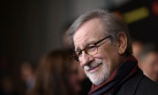 Spielberg Waxes Lyrical On The Joy Of Movie Theaters