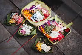 Segehan Manca Warna - Aum Nama Sivaya