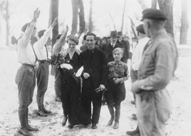 Magda Goebbels Josef Goebbels Adolf Hitler worldwartwo.filminspector.com