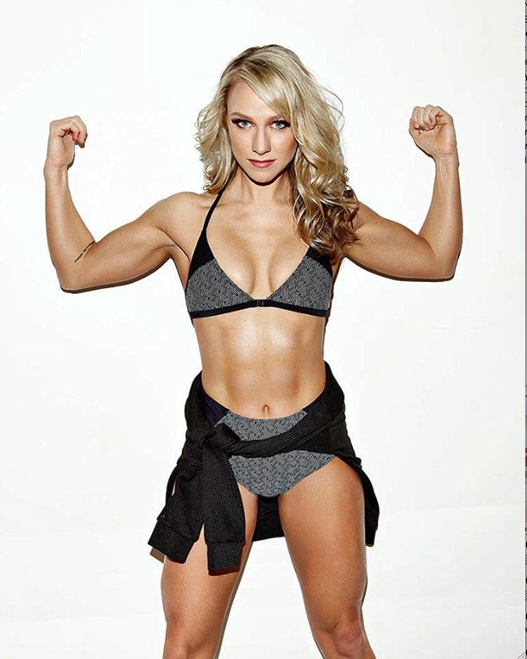 Chloe Madeley fitness model a toned body bikini in Instagram