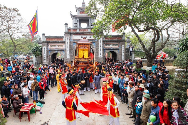 Attractive traditional festivals in lunar January in Vietnam 7