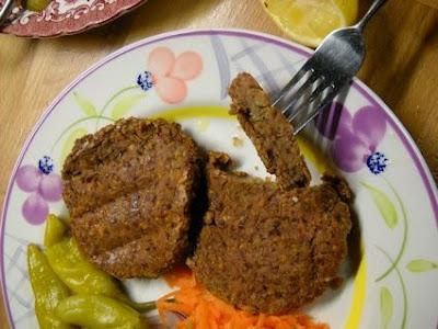 Μπιφτέκια με κόκκινα φασόλια