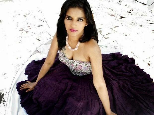 Free Movie Wallpapers: Vasundhara Kashyaps Nude Selfies