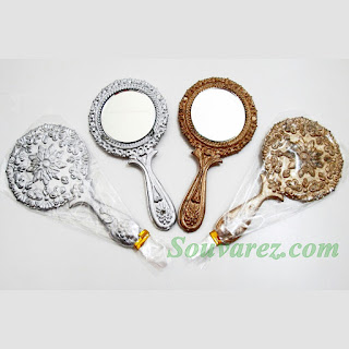 Souvenir Cermin Mawar