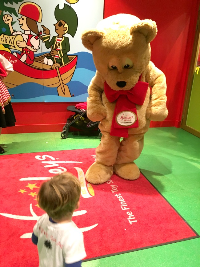 Bear-meeting-Hamleys-Bear-at-Cardiff