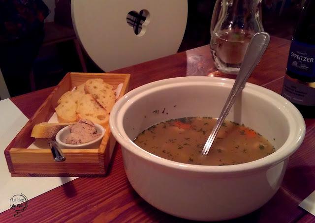 Šturmų švyturys - Restaurante Vilnius