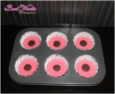 Cara Buat dan Resepi Mudah Muffin Strawberi Topping Coklat