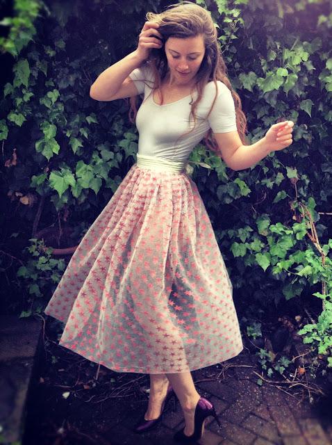 Star print tulle skirt