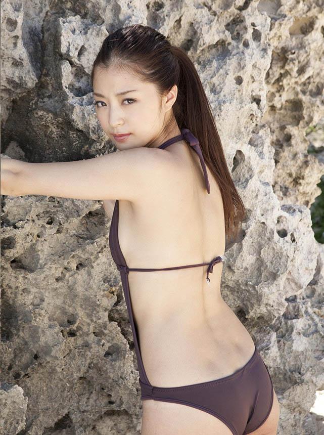 eri wada sexy bikini pics