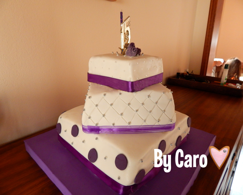 Tortas de 15 a os for Tendencia en decoracion 2016