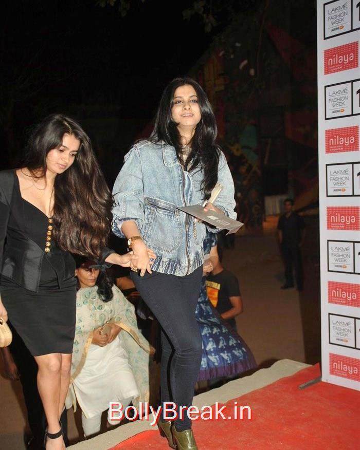 Celebs at Sabyasachi by Sabyasachi Show at LFW Summer/Resort, Lakme Fashion Week 2015 - Deepika, Kajol, Sridevi at Sabyasachi Fashion Show