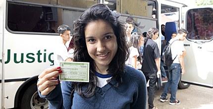 Jovem Eleitor que tem 16 e 17 anos também podem solicitar o título de eleitor
