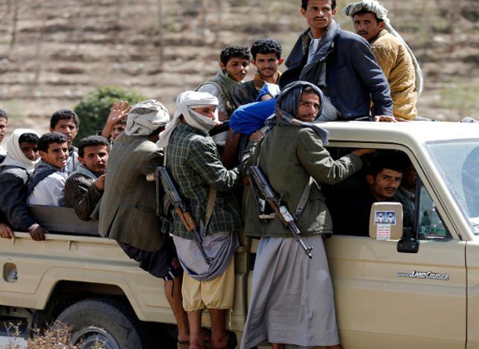 تعزيزات عسكرية ضخمة يقودها هذا الوزير الحوثي وينطلق اليوم باتجاه الساحل الغربي(الاسم + الصورة )