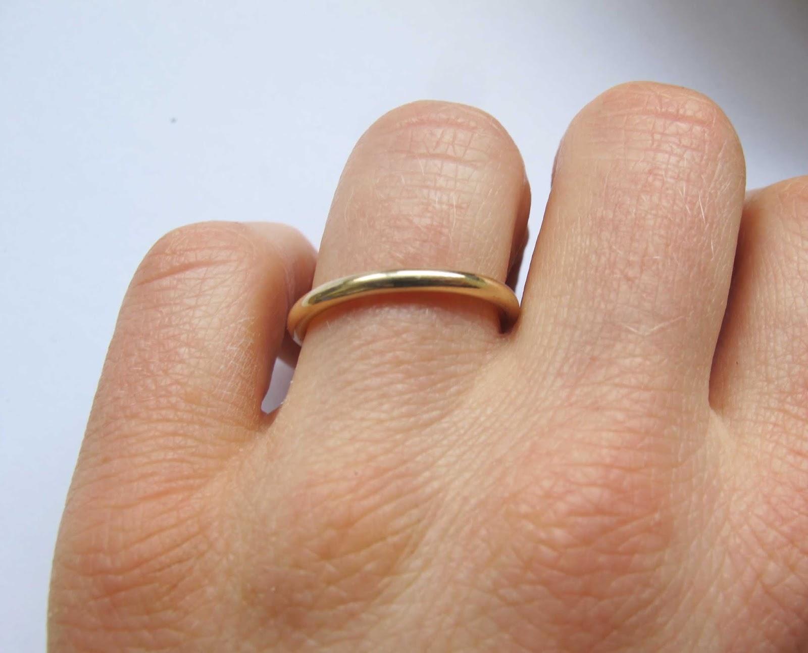 6ee45a6fddc6 Anillos de compromiso en Barcelona, anillos pedida de oro.