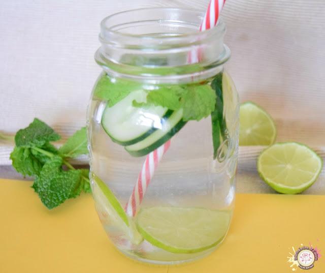 Agua detox de pepino y limón