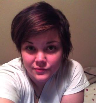 Gaya rambut pendek wanita gemuk blow out
