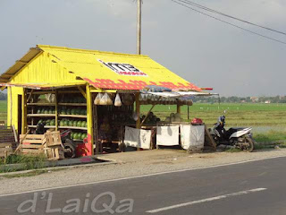 kios pedagang buah