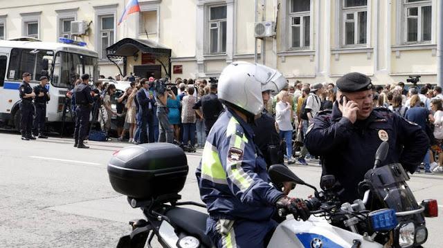 Χάος στη Μόσχα μετά από απειλές για βόμβες