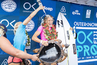 10 Tatiana Weston Webb and Courtney Conlogue Outerknown Fiji Womens Pro foto WSL Kelly Cestari