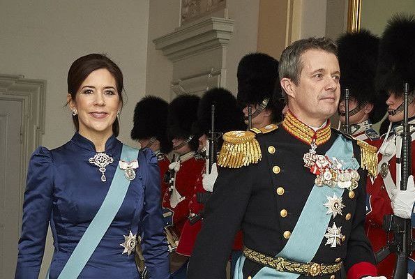 Crown Prince Frederik and Crown Princess Mary attended the reception. Princess Mary wore a blue gown