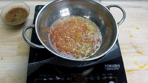 Cách làm sa tế tôm tỏi tớt cay nồng tại nhà