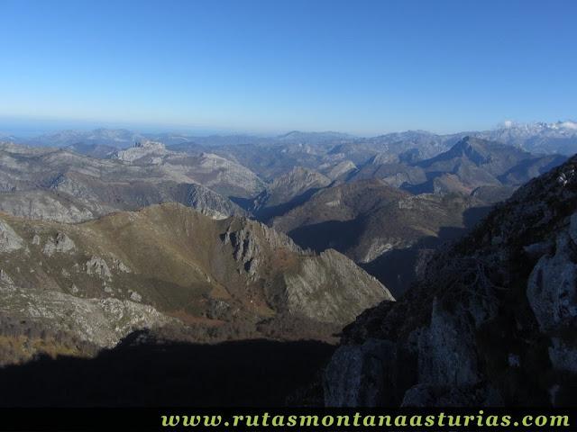 Vista de las montañas de Arriondas y Cangas de Onís