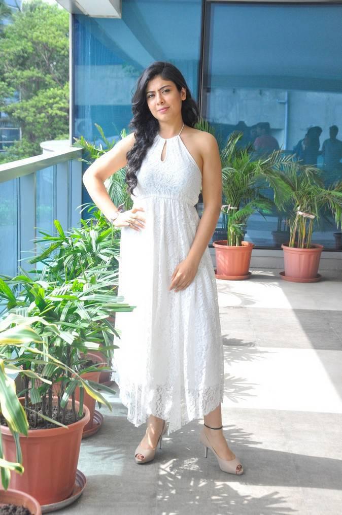 Glamours Delhi Girl Anurita Jha Photo shoot In White Dress