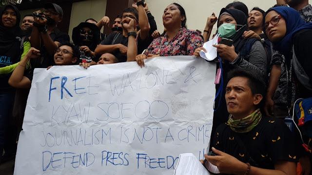 Tuntut Bebaskan 2 Wartawan, Jurnalis Indonesia Demo Kedubes Myanmar