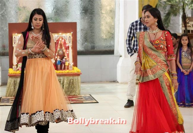 Poonam Dhillon birthday celebrations on the sets of 'Nayi Pehchaan', Poonam Dhillon Birthday Celebrations