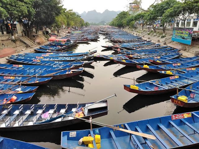 row boats my duc perfume pagoda vietnam