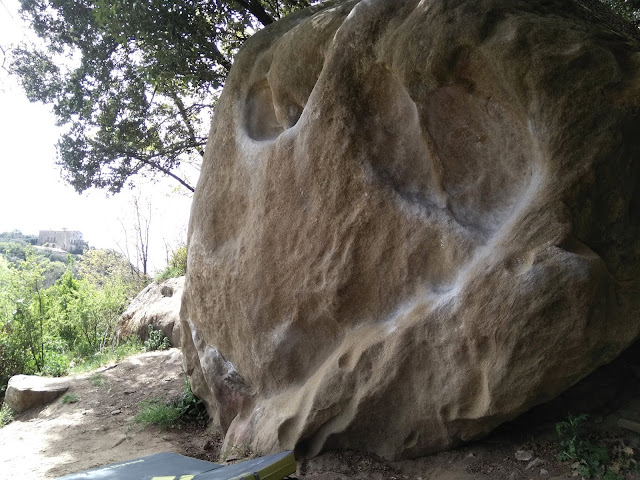 Boulder at Savassona