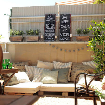 Outdoor Decorating and Furniture with pallets