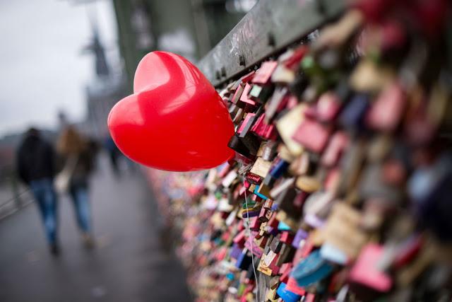 Thế giới đón Valentine đặc biệt thế nào?