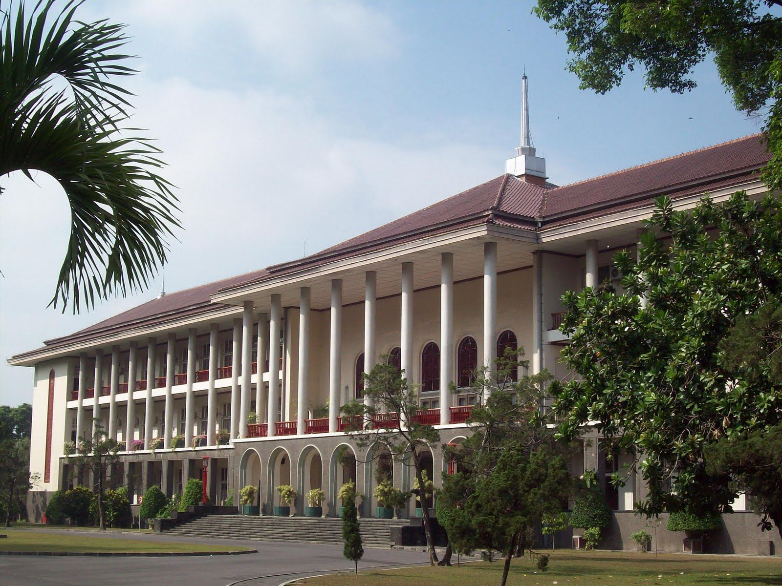 indonesia gadjah mada university will transform into a green campus rh asiagreenbuildings com