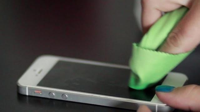 Hasil gambar untuk perawatan layar smartphone