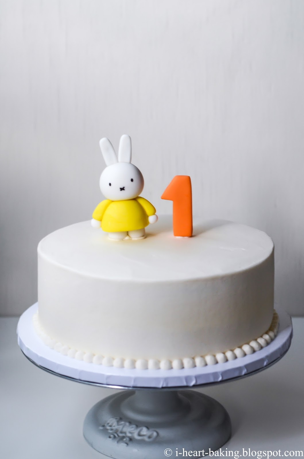 i heart baking miffy first birthday cake with handmade fondant