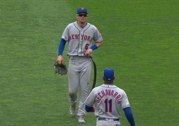NY Mets outfielder Jeff McNeil breaks belt diving for line drive vs Twins 7/17/2019