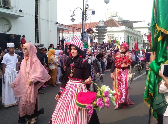 Asian African Carnival Bandung 2017 Sangat Meriah dan Ramai Sekali
