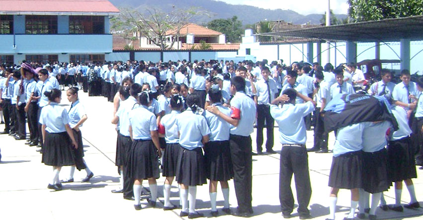 MINEDU prohíbe las formaciones escolares [VIDEO] www.minedu.gob.pe