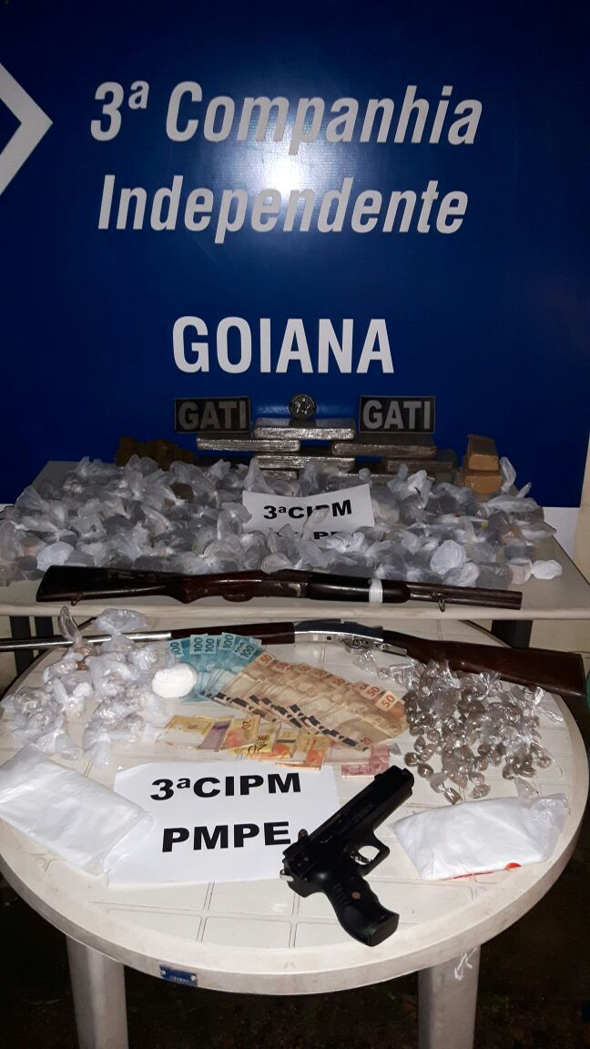 Grupo é preso com armas, drogas e dinheiro em Goiana