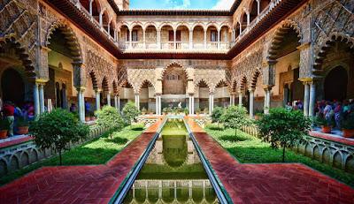 Real Alcazar, Istana Anggun Bergaya Maroko Di Sevilla