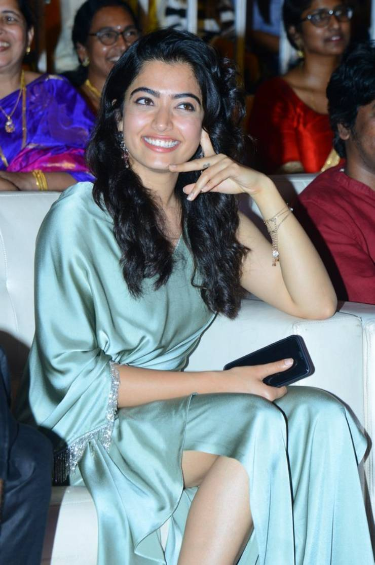 Rashmika Mandanna At Dear Comrade Pre Release Event Vizag