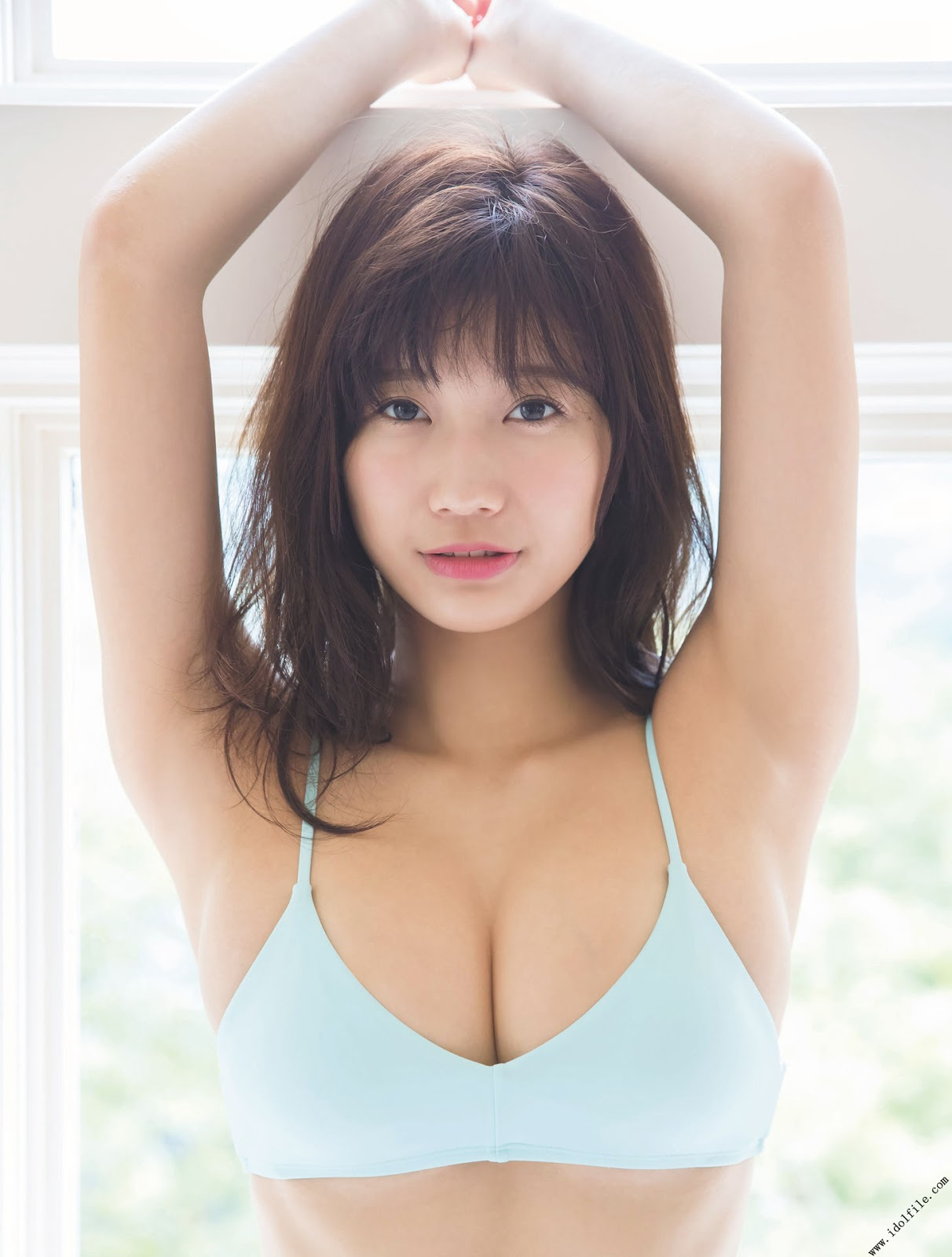 Yuka Ogura 小倉優香, Platinum FLASH 2017 Vol.01 (プラチナフラッシュ 2017 Vol.1) Part.02
