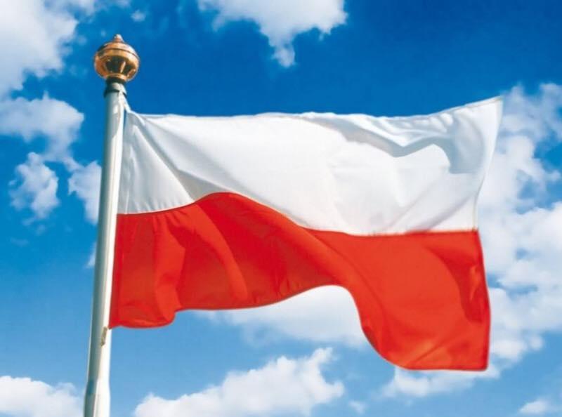 Szkoła w Blichowie promuje zdrowie!: Powiewa flaga, gdy wiatr się ...