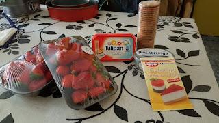 Ingredientes pastel de fresas con crema de queso y gelatina